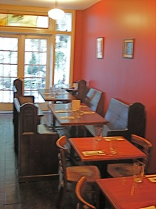 Restaurants In Sunnyside - Quaint Restaurant Queens | Restaurant review Quaint Restaurant Bar located Sunnyside neighborhood Queens NY Quaint Restaurant Bar healthy menu healthy dining food, outdoor space restaurant fun things to do Sunnyside section Queens NY