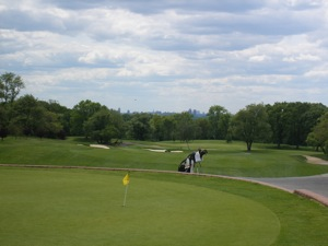 Queens Golf Courses - Public Golf Courses In Queens - Clearview Douglaston Forest Park Kissena | Queens Public Golf Courses Queens NY Clearview Golf Course Douglaston Golf Course Forest Park golf course Kissena golf course Flushing Meadows pitch and putt things to do out doors Queens NY