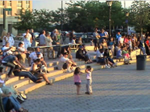 Free Things To Do In Queens - Free Movies in Queens Parks Summer Movies Astoria LIC Sunnyside Woodside Jackson Heights Corona Flushing Jamaica | free things to do in queens free summer movies in astoria park athens square park gantry park lic sunnyside park windmuller park woodside travers park flushing meadows corona park king park jamaica free foreign films in queens parks movies