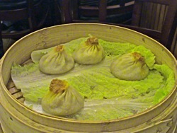 crab pork dumplings joes shanghai chinese restaurant flushing queens ny