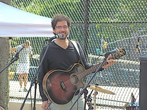 argentinian guitarist victorio menghi in jackson heights