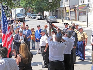 three gun salute to war veterans in woodside queens