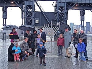 rabbi zev wineberg chabad lic hanukkah in lic queens