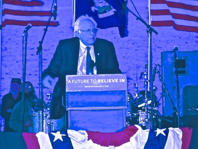 Bernie Sanders in LIC Queens NYC | presidential hopeful senator bernie sanders long island city queens nyc bernie sanders in LIC queens nyc